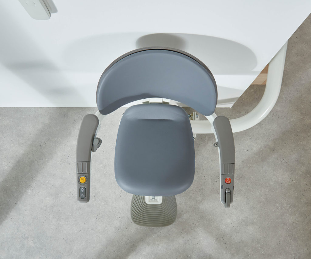 Flow x Curved Stairlift